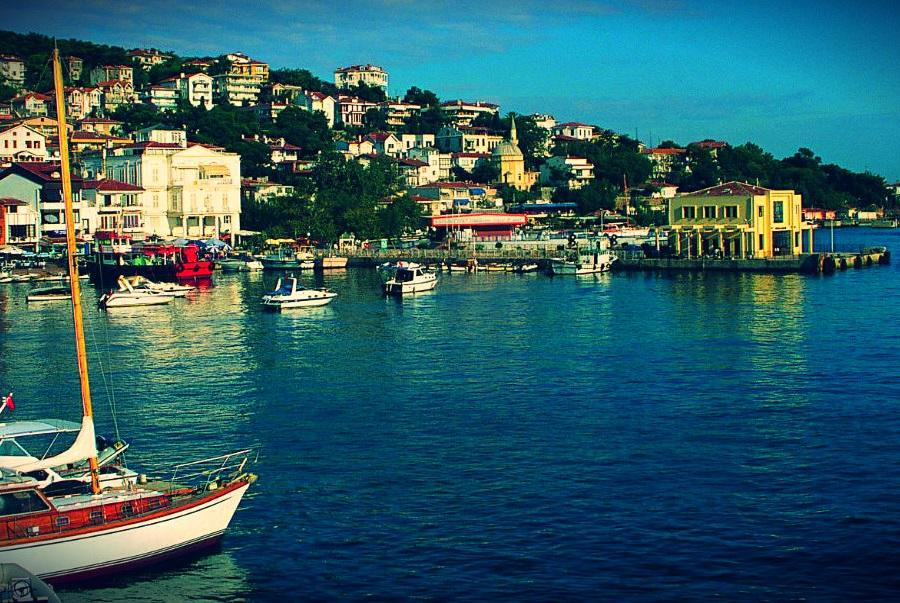Daily Luxury Yacht Rental to Princes Islands