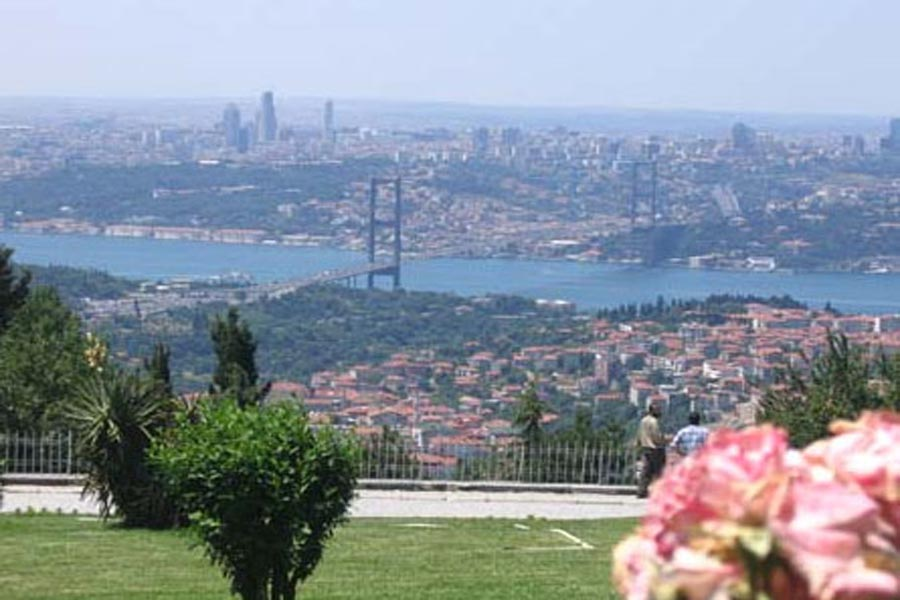 Dolmabahce Palace and Two Continents Tour Half Day Afternoon